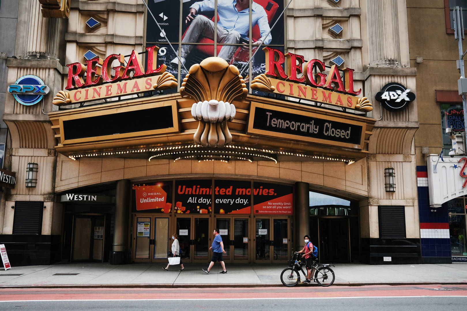 Regal Cinemas, Coronavirus, Closed