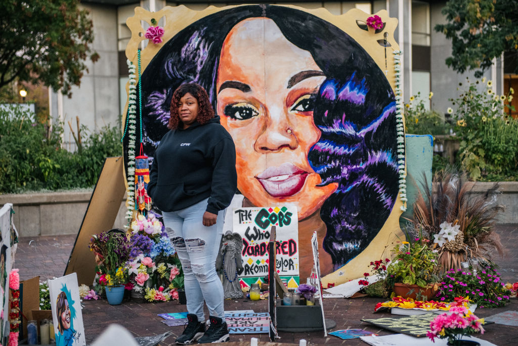 Breonna Taylor's boyfriend recounts her shooting by police