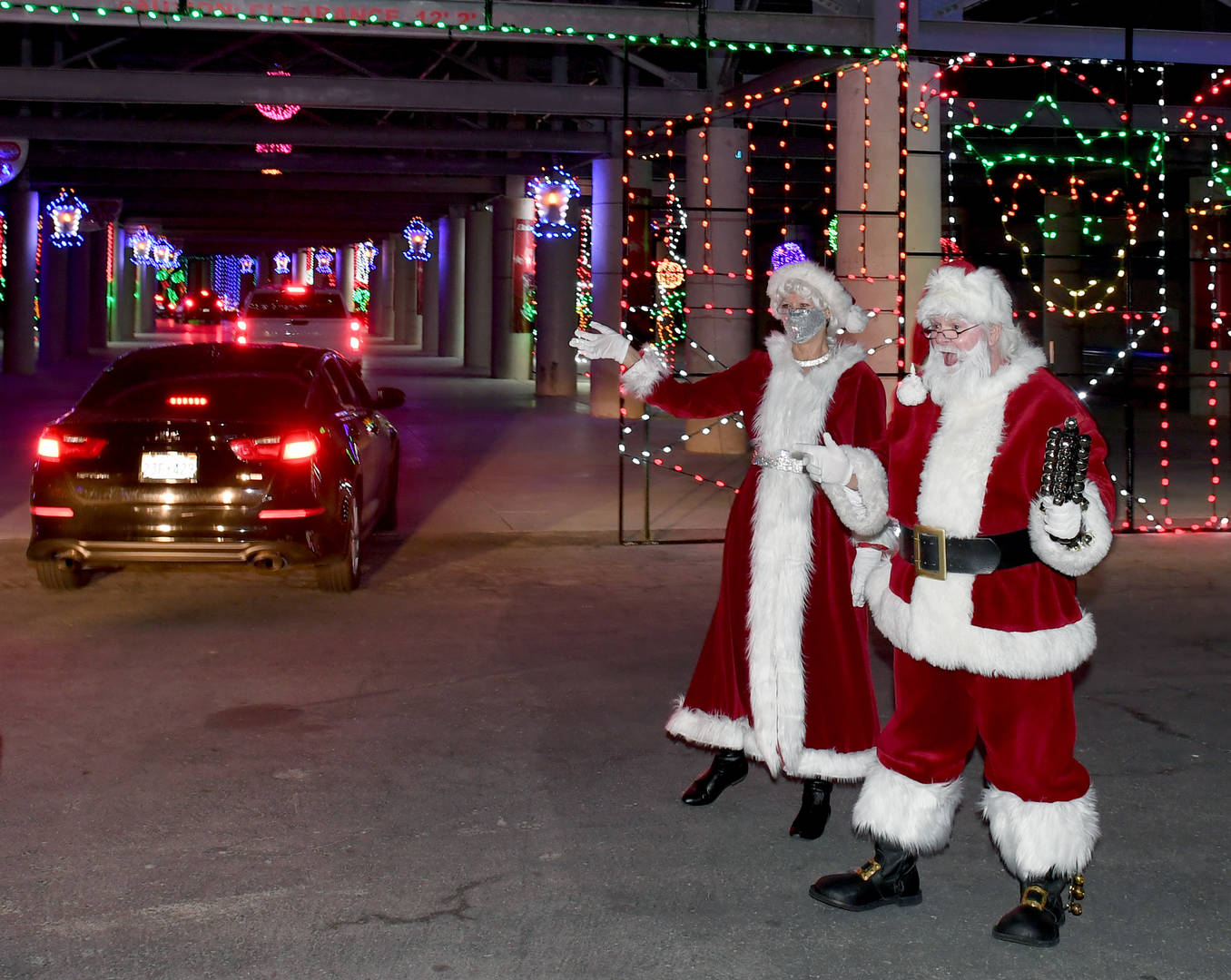 Governor Whitmer calls on Santa Claus for message about Christmas