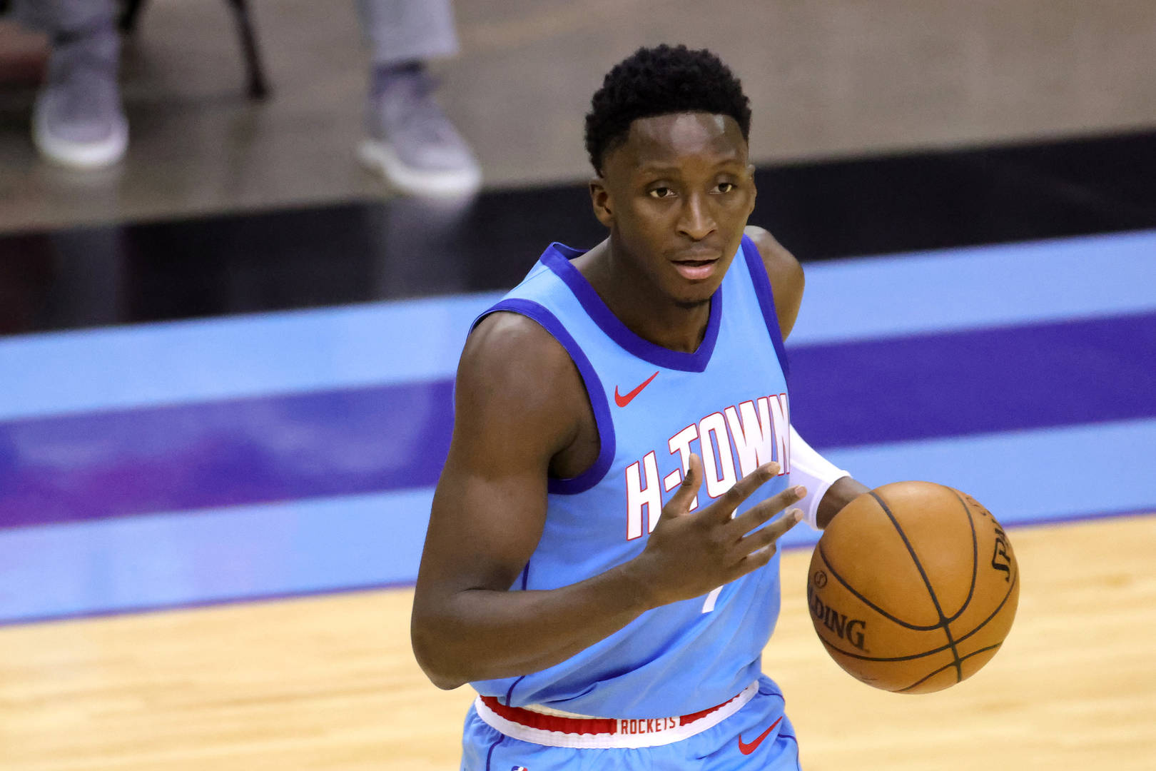Victor Oladipo, Contract