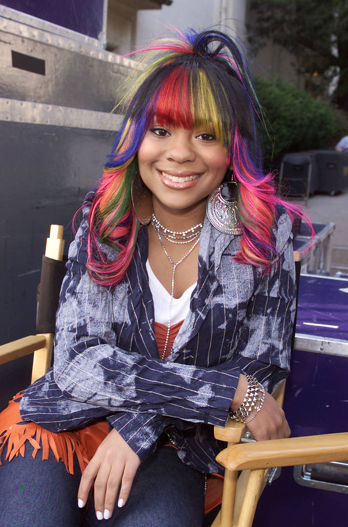 R&B recording artist Nivea backstage at the taping of ABC Family's FRONT ROW CENTER at the Wadsworth Theatre, Los Angeles, CA., Nov. 10, 2001.