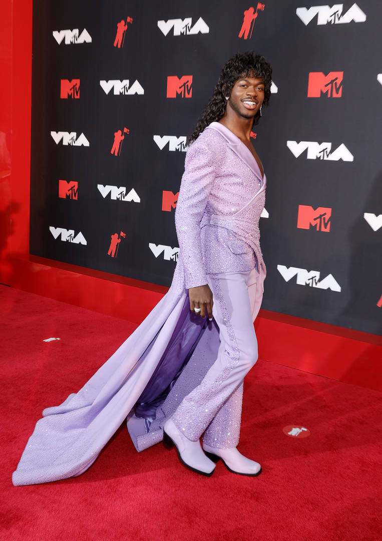 Lil Nas X takes on the 2021 VMA red carpet