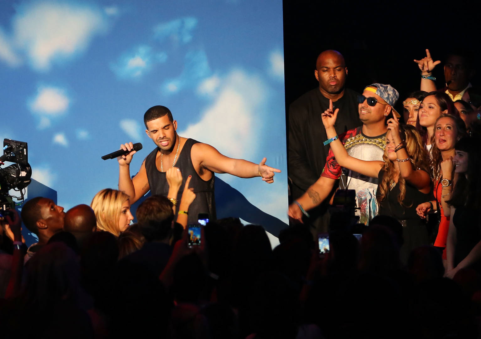 Drake performs onstage during the 2013 MTV Video Music Awards at the Barclays Center on August 25, 2013 in the Brooklyn borough of New York City.